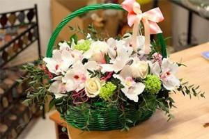 Какую траурную цветочную корзину заказать