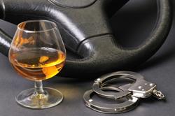 Пьяный автомастер попал в аварию на угнанной машине