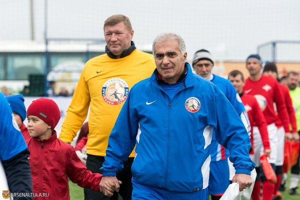 Аджоев и Матюнин сыграли в гала-матче НФЛ