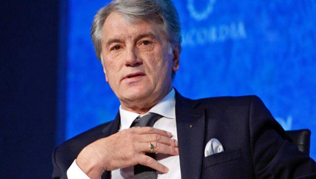 Кучма и Ющенко прокомментировали запрет российских сайтов и соцсетей в Украине