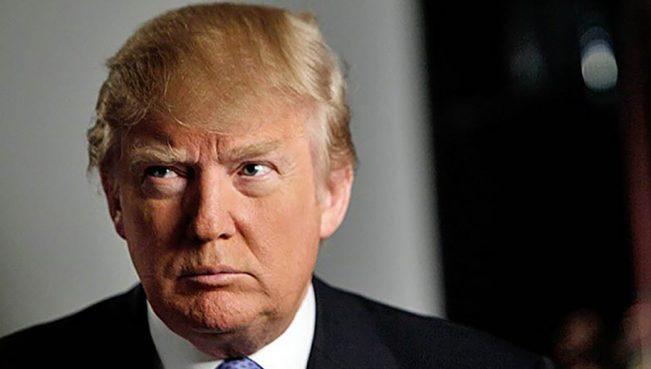 В США призвали начать процедуру импичмента Трампа