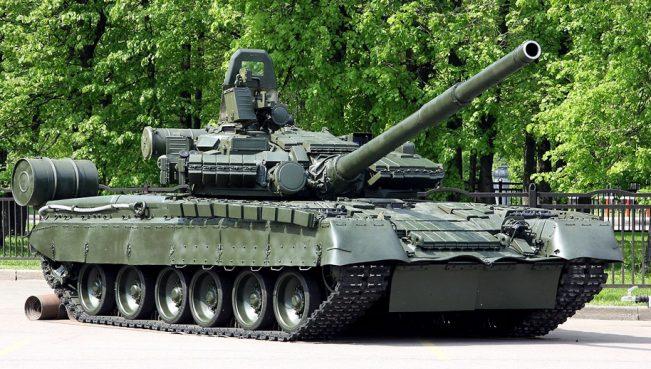 Порошенко отправил в Донбасс танки Т-80