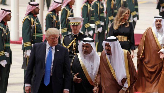 США и Саудовская Аравия заключили военные контракты на $110 млрд