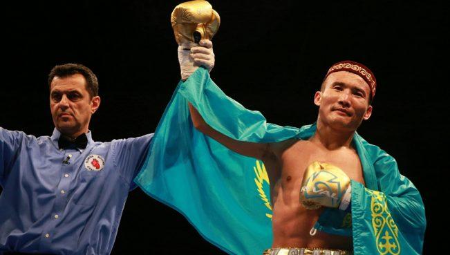 Казахстанский боксер одержал победу над мексиканцем — ВИДЕО