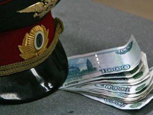 В полиции Брянска 10 месяцев не решались завести уголовное дело на инспектора-взяточника