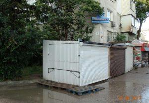 Ночной пожар ларьков в Севастополе мог перекинуться на соседнюю многоэтажку (ФОТО)