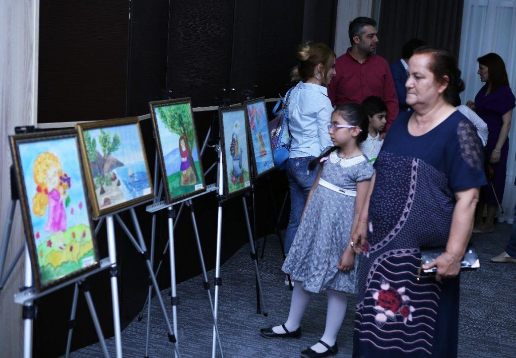 В Сумгайыте прошла выставка «Любите жизнь вместе с нами» — ФОТОСЕССИЯ