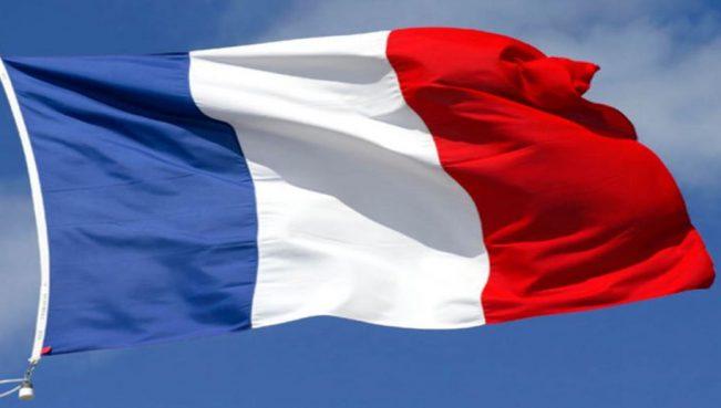 Во Франции стартовал первый тур выборов в парламент