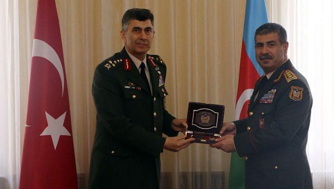 Азербайджан и Турция обсудили военное сотрудничество