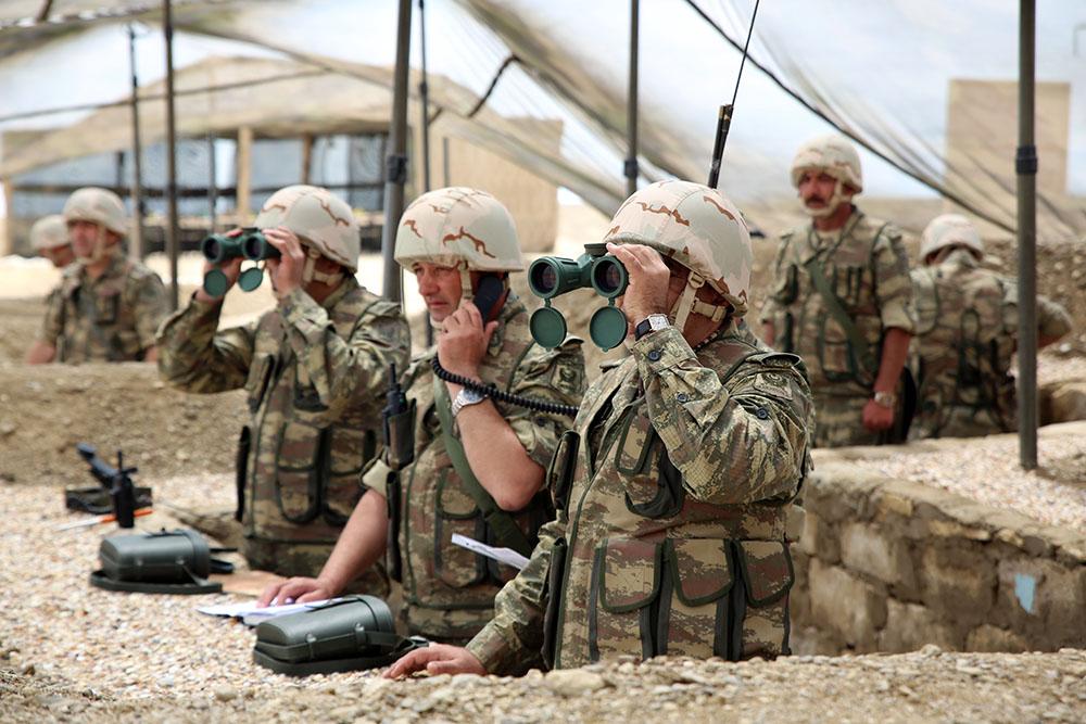 Проведены тактико-специальные учения ВС Азербайджана — ФОТО