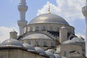 В Бишкеке построена самая большая мечеть в Средней Азии