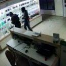 В Казани трое парней украли телефоны на сумму 400 000 рублей