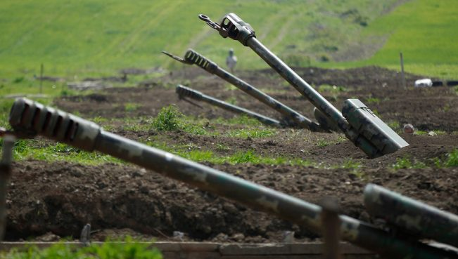 Российский эксперт: «Москва старается не замечать войну в Карабахе»