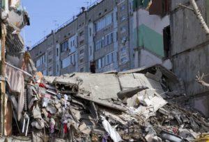 В городе Тюмени обвалился дом на Дамбовской