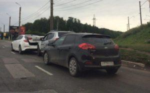 На Московском шоссе в Рязани столкнулись три иномарки