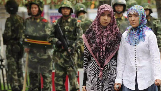 Уйгурам запретили общаться на родном языке