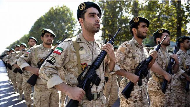 На авиабазе в Иране военный расстрелял сослуживцев