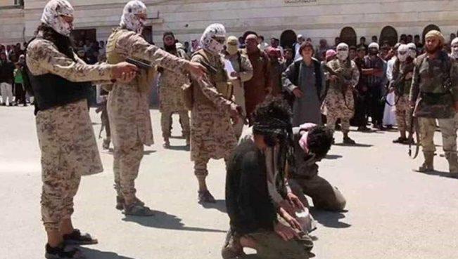 В Афганистане боевики казнили около 50 человек, включая женщин и детей