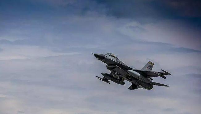ВВС Турции нанесли удары по объектам РКК на севере Ирака