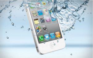 Жительница Липецка добилась большой компенсации за утопленный iPhone