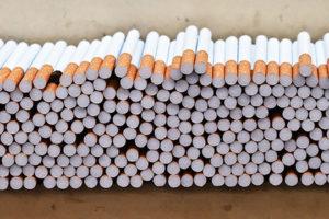 В Иваново клиентка бара украла с прилавка 4 блока сигарет