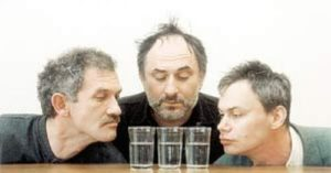 Жителя Смоленска избили и раздели двое грабителей