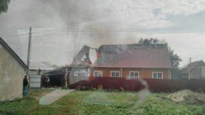 В Мордовии горит частный дом (ФОТО)