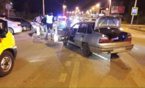 В Альметьевском районе при столкновении Renault и Daewoo пострадала женщина