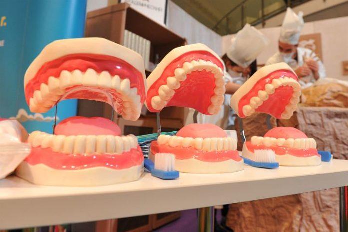 В Белгороде за некачественный зубной протез заплатит клиника