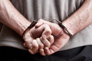 В Казани правоохранители задержали двоих мужчин, ограбивших и избивших незнакомца