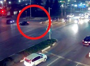 В Рязани сбили мотоциклиста, в соцсети появилось видео