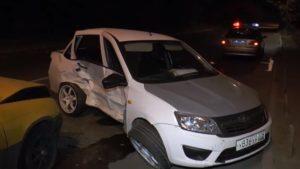 В Казани водитель «Лады» врезался в иномарку: пострадали трое