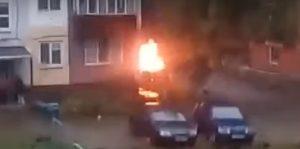 В Интернете появилось видео взрыва авто, подожженного сегодня в Набережных Челнах