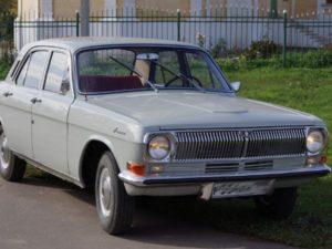 В Белгороде мужчина угнал «Волгу» и попал на ней в аварию