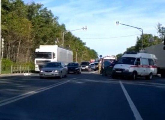 На въезде в Рязань автомобиль Kia влетел в грузовик