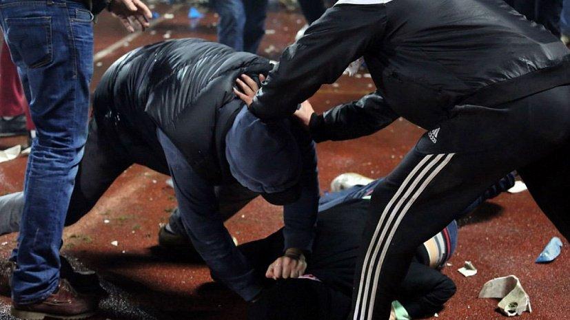 В Чебоксарах подростки устроили драку у остановки «Театр оперы и балета»