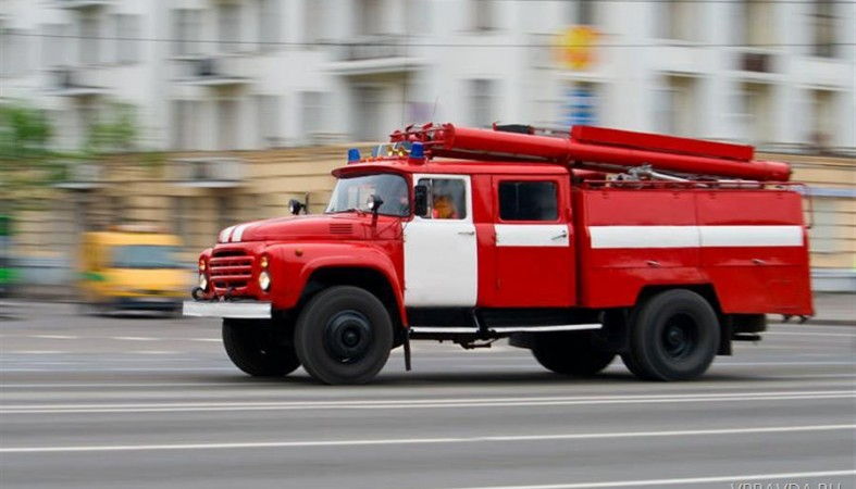 Во время ночного пожара в Рязани пострадал один человек