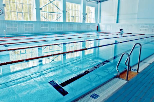 В Чувашии инструктора спортшколы обвиняют в гибели пьяного мужчины в бассейне