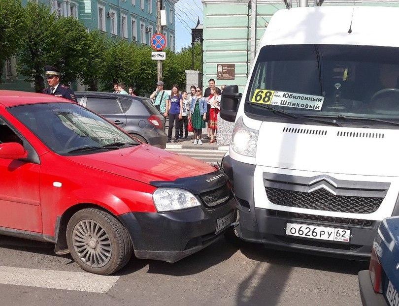 В Рязани произошло ДТП с маршруткой №68