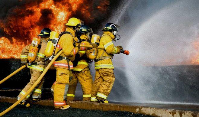 Три пожарных расчета тушили жилой дом в Михайловском районе