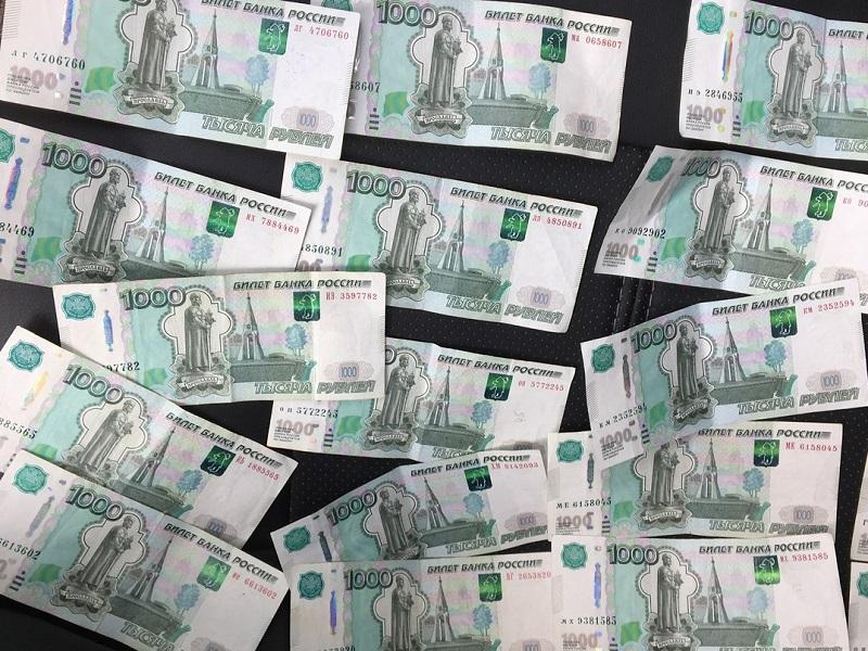 В Чувашии главный госинспектор труда попался на взятке в 20 000 рублей