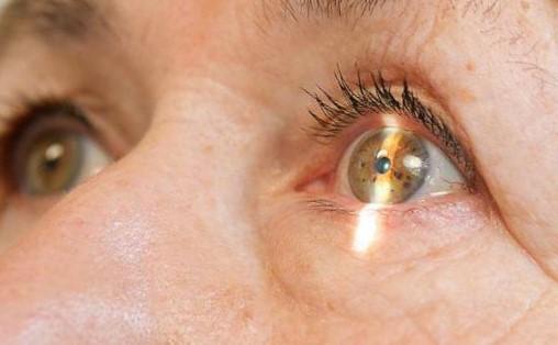 Симптомы катаракты и методы лечения